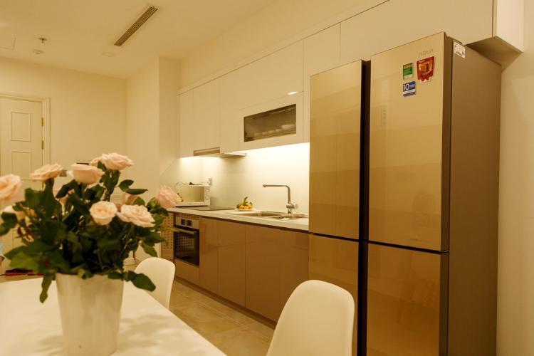 Căn hộ Vinhomes Golden River, Quận 1 Office-tel Vinhomes Golden River tầng 33, đầy đủ nội thất và tiện ích.