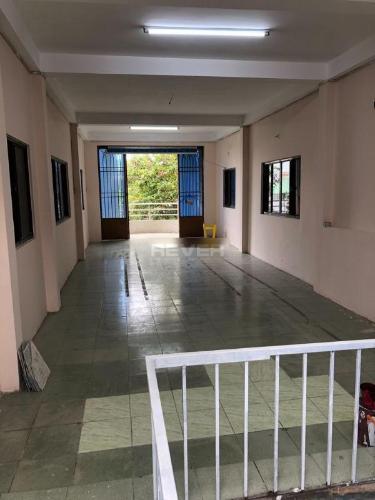 Nhà phố Quận Tân Phú Nhà phố mặt tiền đường Đỗ Bí hướng Tây Nam, khu dân cư đông đúc.