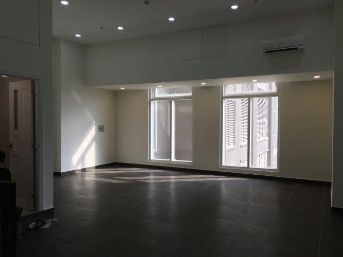 Shop-house Saigon Mia kết cấu 1 trệt 2 lầu, nội thất cơ bản.