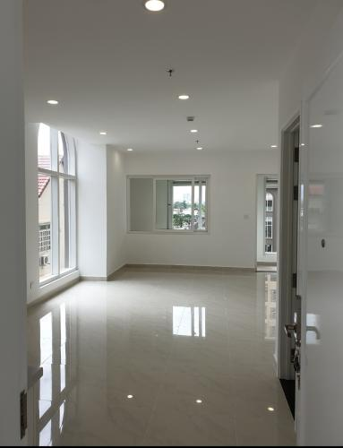 Căn hộ tầng cao Saigon Mia, thiết kế tinh tế, nhiều cửa đón sáng.