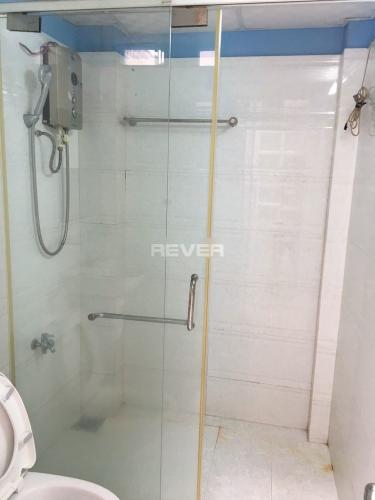 Phòng tắm nhà phố đường Huỳnh Tấn Phát, Nhà Bè Nhà phố trung tâm thị trấn Nhà Bè hướng Tây Nam, hẻm trước rộng 6m.