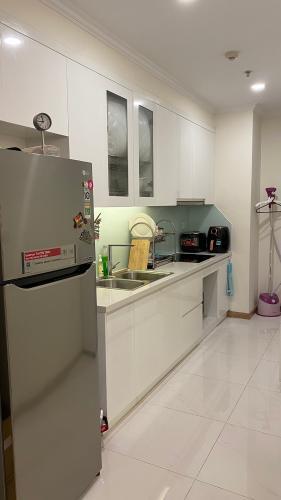 phòng bếp căn hộ Vinhomes Central Park Căn hộ tầng 10 Vinhomes Central Park nội thất đầy đủ