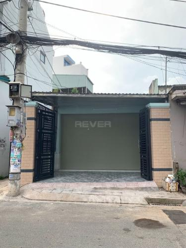 Bên ngoài nhà phố Tăng Nhơn Phú A, Quận 9 Nhà cấp 4 hướng Tây Bắc sổ hồng chính chủ, mặt tiền đường số 102.