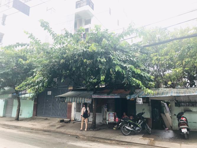Nhà bên phải Bán nhà mặt tiền đường Tôn Thất Thuyết, Quận 4, thuận tiện buôn bán và kinh doanh, giá cả thương lượng.