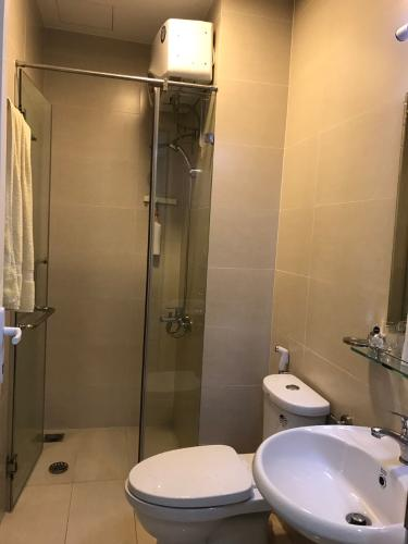 Phòng tắm căn hộ Moonlight Park View Căn hộ chung cư Moonlight Park View đầy đủ nội thất, hướng Tây.