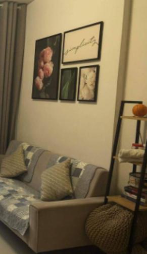 Căn hộ Golden Mansion tầng 10 view thoáng mát, đầy đủ nội thất hiện đại.