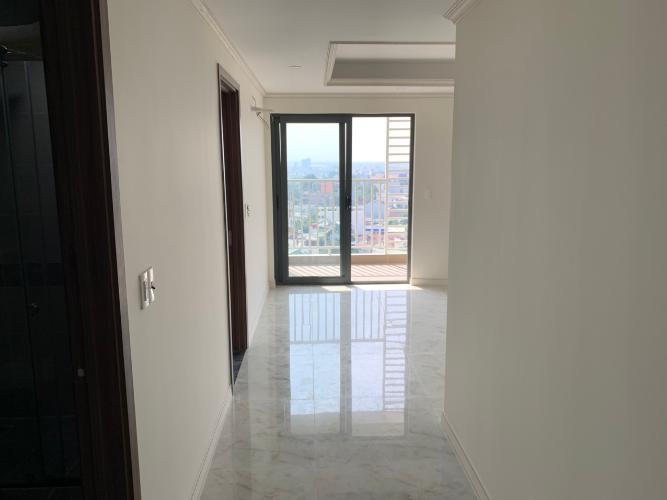 Căn hộ Homyland Riverside tầng 12 đón view thoáng mát, nội thất cơ bản.