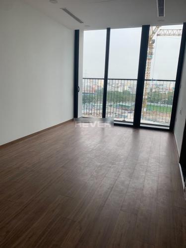 Căn hộ Eco Green Saigon tầng 5 view thoáng mát, nội thất cơ bản.