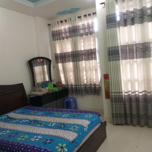 Phòng ngủ nhà phố Quận 4 Bán nhà hẻm xe tải đường Nguyễn Tất Thành, sổ hồng chính chủ, vị trí đắc địa.