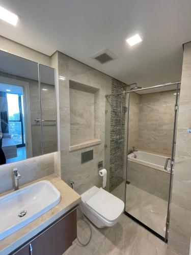 Phòng tắm căn hộ Vinhomes Golden River, Quận 1 Căn hộ Vinhomes Golden River đầy đủ nội thất, thiết kế sang trọng.