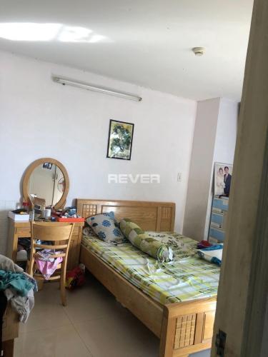 Căn hộ Cao ốc Bình Minh gồm 3 phòng ngủ, nội thất cơ bản.