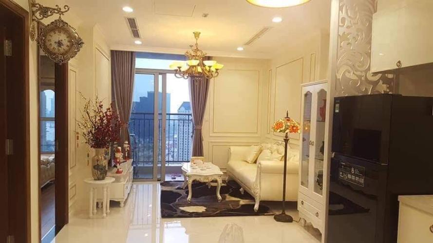 Căn hộ tầng 27 Vinhomes Central Park ban công hướng Tây Nam, nội thất đầy đủ