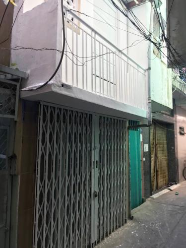 Bán nhà đường 16, Quận 4, sổ hồng, cách mặt tiền đường Khánh Hội 400m