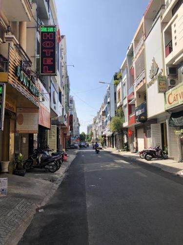 Mặt bằng kinh doanh Hoa Lan, Phú Nhuận Mặt bằng kinh doanh khu Phan Xích Long sầm uất, hướng Đông Nam.