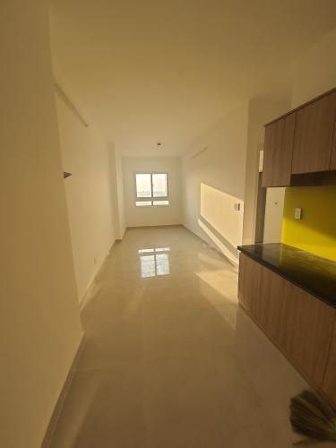 Căn hộ Topaz Home 2 nội thất cơ bản, view thoáng mát.