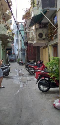 Đường nhà phố Bình Thạnh Nhà phố hướng cửa Tây Bắc diện tích sử dụng 124.7m2, hẻm xe máy.
