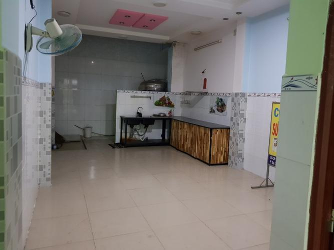 Mặt tiền nhà phố Quận Bình Tân Nhà phố mặt tiền đường số 4 diện tích sử dụng 320m2, nội thất cơ bản.