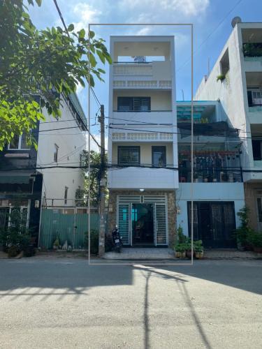 Nhà phố gần chợ khu Nam Long, vị trí đẹp thuận tiện kinh doanh.