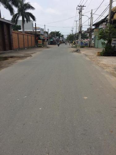 Đường trước mặt bằng kinh doanh Quận 12 Mặt bằng kinh doanh đường Vườn Lài, diện tích 145m2 không có nội thất.