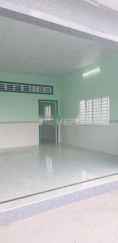 Phòng khách nhà phố Bình Chánh Nhà phố mặt tiền đường Tân Long hướng Bắc diện tích đất 242m2.