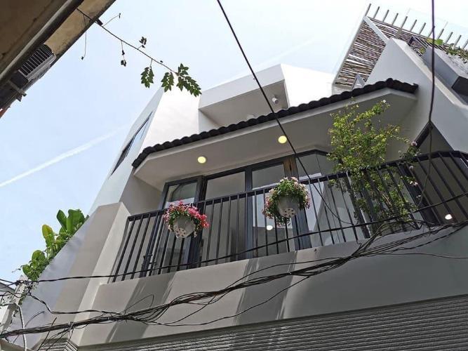 Mặt tiền nhà phố Nguyễn Thái Sơn, Gò Vấp Nhà phố hướng Đông, nằm ở góc tam giác 2 mặt tiền đường.