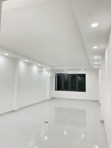 Văn phòng mặt tiền đường Phan Văn Trị diện tích 60m2, đầy đủ tiện ích.
