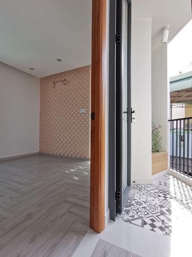 Bên trong nhà phố Nguyễn Thái Sơn, Gò Vấp Nhà phố hướng Đông, nằm ở góc tam giác 2 mặt tiền đường.