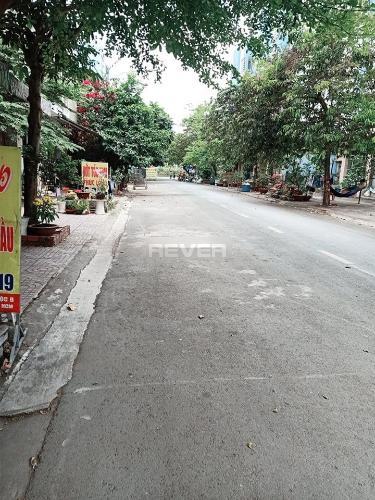 Đường hẻm nhà phố Huyện Bình Chánh Nhà 1 trệt 1 lầu Huyện Bình Chánh hướng Tây Nam, sổ hồng riêng.