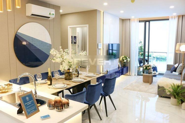 Căn hộ D'Lusso tầng 8, ban công view sông, nội thất cơ bản.