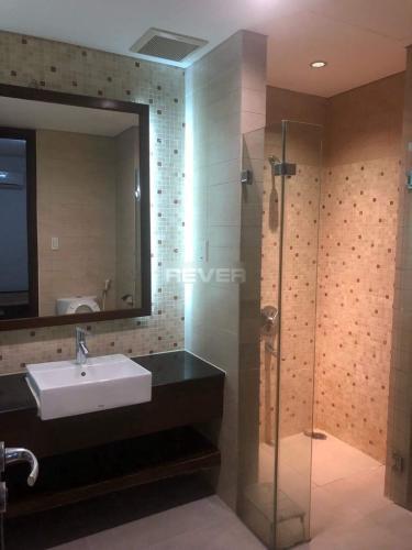 Phòng tắm The Everich 1, Quận 11 Căn hộ The Everrich 1 tầng cao, view thành phố lung linh về đêm.
