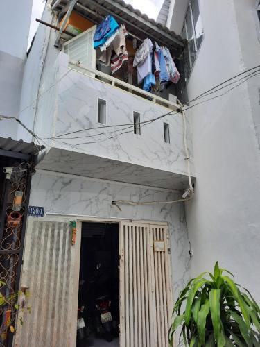 Bán nhà cách Chợ Đa Kao 150m, nội thất cơ bản, diện tích đất 31.34m2.