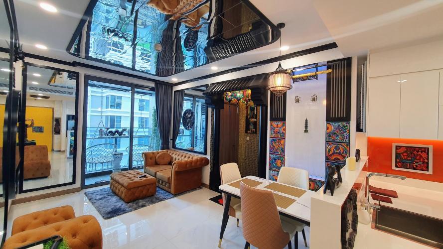 Phòng khách căn hộ Sunwah Pearl, Bình Thạnh Căn hộ Sunwah Pearl thiết kế độc đáo, view nội khu và thành phố