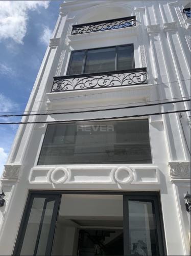 Nhà phố hướng Bắc thoáng mát gồm 1 trệt 3 lầu, bàn giao sổ hồng.