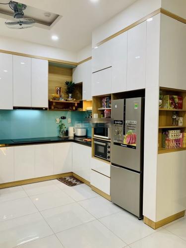 Phòng bếp căn hộ Jamila Khang Điền, Quận 9 Căn hộ tầng 22 Jamila Khang Điền ban công thoáng mát, đầy đủ nội thất.