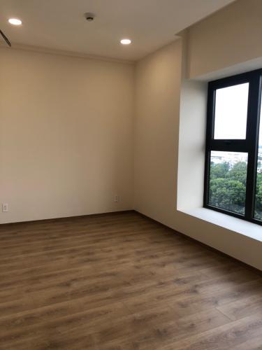 Phòng ngủ căn hộ Park Legend, Tân Bình Căn hộ Park Legend cửa hướng Đông view thành phố thoáng mát.