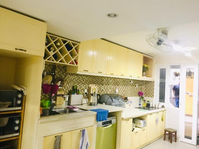 Bếp nhà phố quận Phú Nhuận Bán nhà phố đường Trần Huy Liệu, phường 8, quận Phú Nhuận, diện tích đất 108.8m2, sổ hồng đầy đủ.