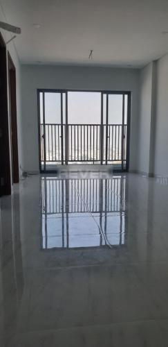 Căn hộ D-Vela tầng 17 hướng Nam ban công thoáng mát, nội thất cơ bản.