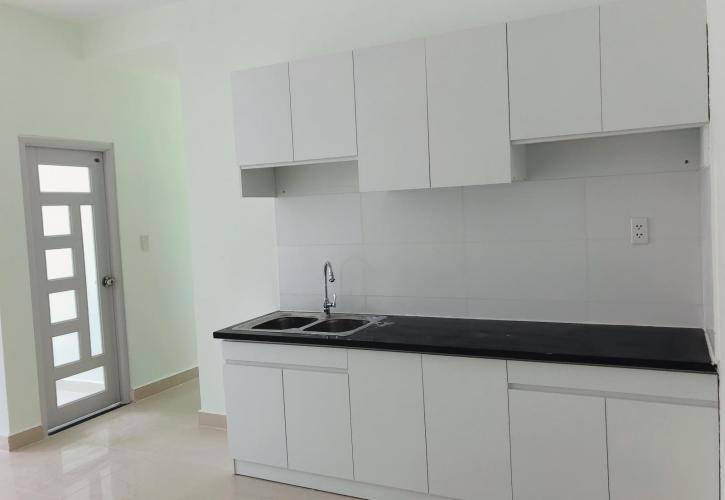 Căn hộ Topaz Home 2 tầng trung, nội thất cơ bản.