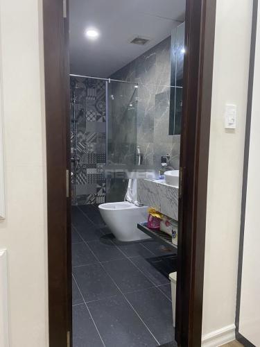 Phòng tắm Xi Grand Court, Quận 10 Căn hộ Xi Grand Court tầng trung, nội thất đầy đủ.