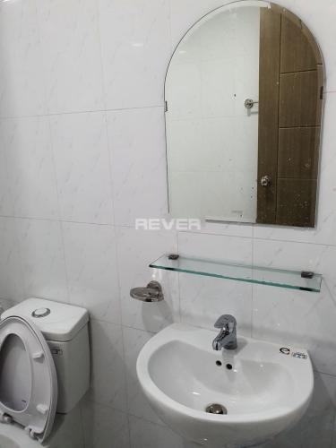 Phòng tắm căn hộ Green Hills Apartment, Bình Tân Căn hộ Green Hills Apartment hướng Nam tầng trung.