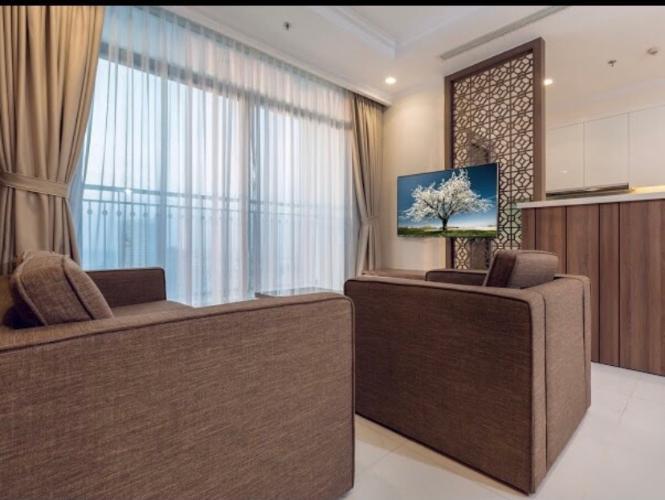 Căn hộ tầng 45 Vinhomes Central Park thiết kế hiện đại, đầy đủ nội thất.