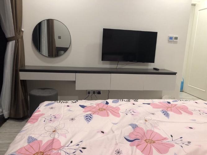 Phòng ngủ căn hộ Vinhomes Golden River Căn hộ Vinhomes Golden River tầng cao view đẹp, đầy đủ nội thất.