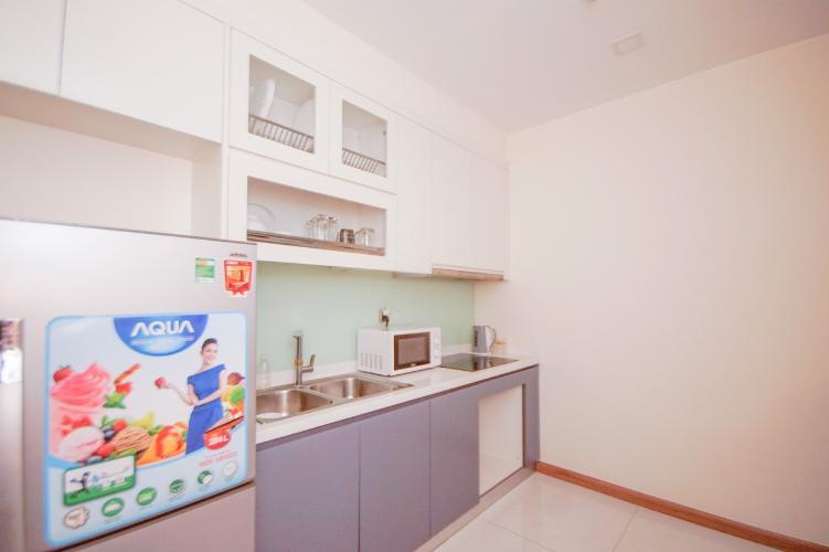 Phòng bếp , Căn hộ Vinhomes Central Park , Quận Bình Thạnh Căn hộ Vinhomes Central Park tầng 2 view nội khu yên tĩnh, đầy đủ nội thất.