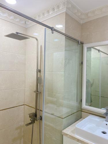 Phòng tắm căn hộ Vista Verde Căn hộ Vista Verde đầy đủ tiện nghi, view thành phố tuyệt đẹp.