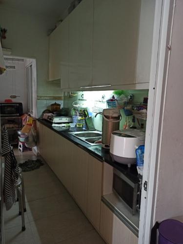 Phòng bếp Ehome 3, Bình Tân Căn hộ Ehome 3 đầy đủ nội thất, ban công hướng Tây.