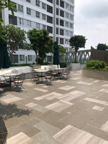 Tiện ích dự án Sunrise CityView Office-tel Sunrise CityView tầng trung thoáng mát nhìn ra thành phố.
