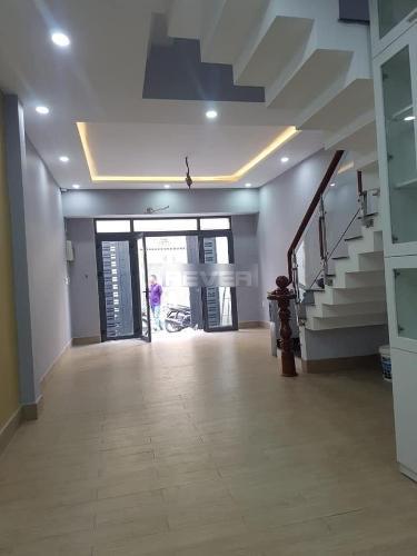 Nhà phố Q.Phú Nhuận hướng Tây Bắc gồm 3 tầng, sổ hồng riêng.