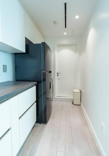 Phòng bếp Léman Luxury Apartment Căn hộ Léman Luxury Apartments đủ tiện nghi, view tầng cao đón gió.