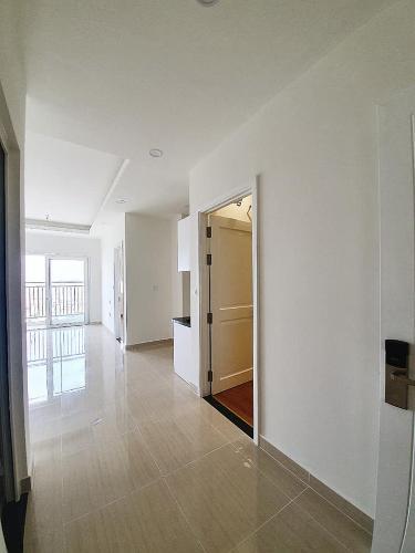 Bên trong căn hộ Moonlight Boulevard Bình Tân Căn hộ Moonlight Boulevard tầng trung, nội thất cơ bản.