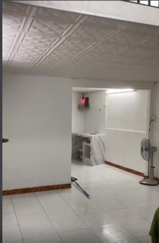 Căn hộ Chung cư 830 Võ Văn Kiệt tầng 1 tiện di chuyển, không nội thất.